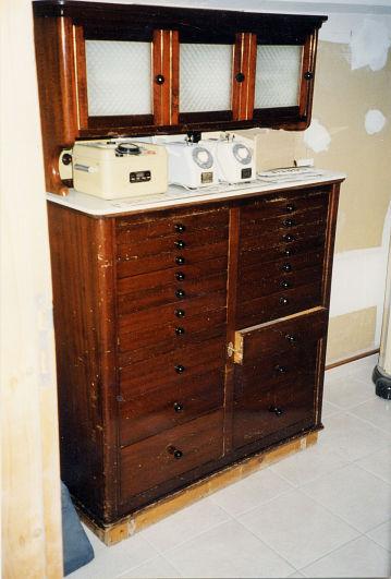 aspad exposition cr ation d 39 un mus e dentaire foug res collection du dr jean della vedova. Black Bedroom Furniture Sets. Home Design Ideas