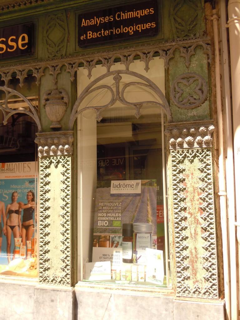 pharmacie-de-1ere-classe-brun-a-montelimar-classee-monument-historique3