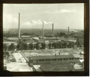 Usine de fermentation de Roussel, construite à Romainville en 1946. Source : BIU Santé - Fonds Janot