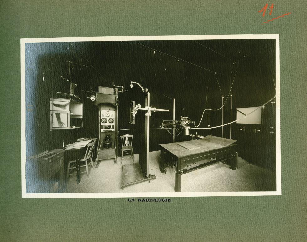 [Le Grand Palais pendant la guerre] La radiologie - Le Grand Palais pendant la guerre (1914-1915-191 [...] -  - med02077x0035