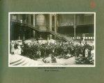 [Le Grand Palais pendant la guerre] Arrivée de grands blessés (retour d'Allemagne) - Le Grand Palais [...]