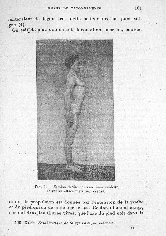 Fig. 4. Station droite correcte sans raideur le ventre effacé mais non creusé - Evolution de l'éduca [...] -  - med65254x0161